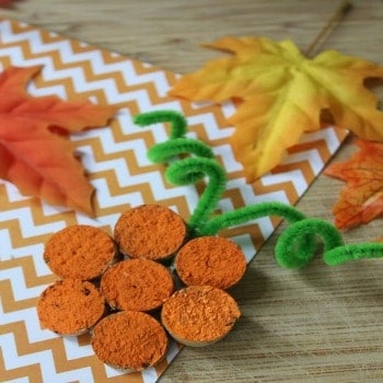 Are you ready for a super simple craft this year? You need to make these Wine Cork Pumpkins.