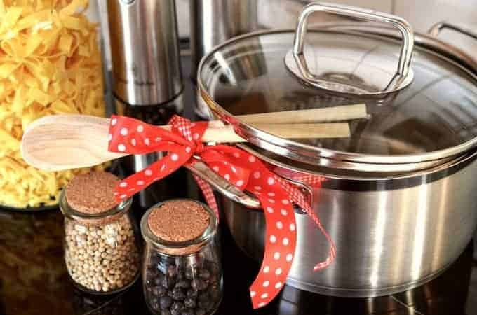 Talking Pots and Pans – The Secrets to Choosing the Best Cookware for Your Kitchen