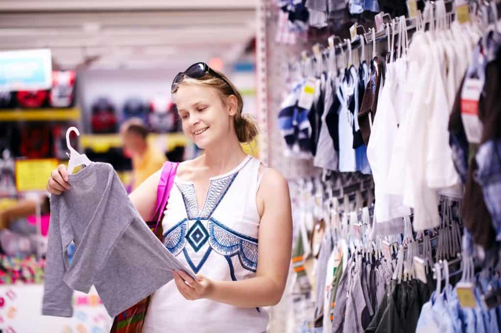 W=ways-to-save-on-clothes