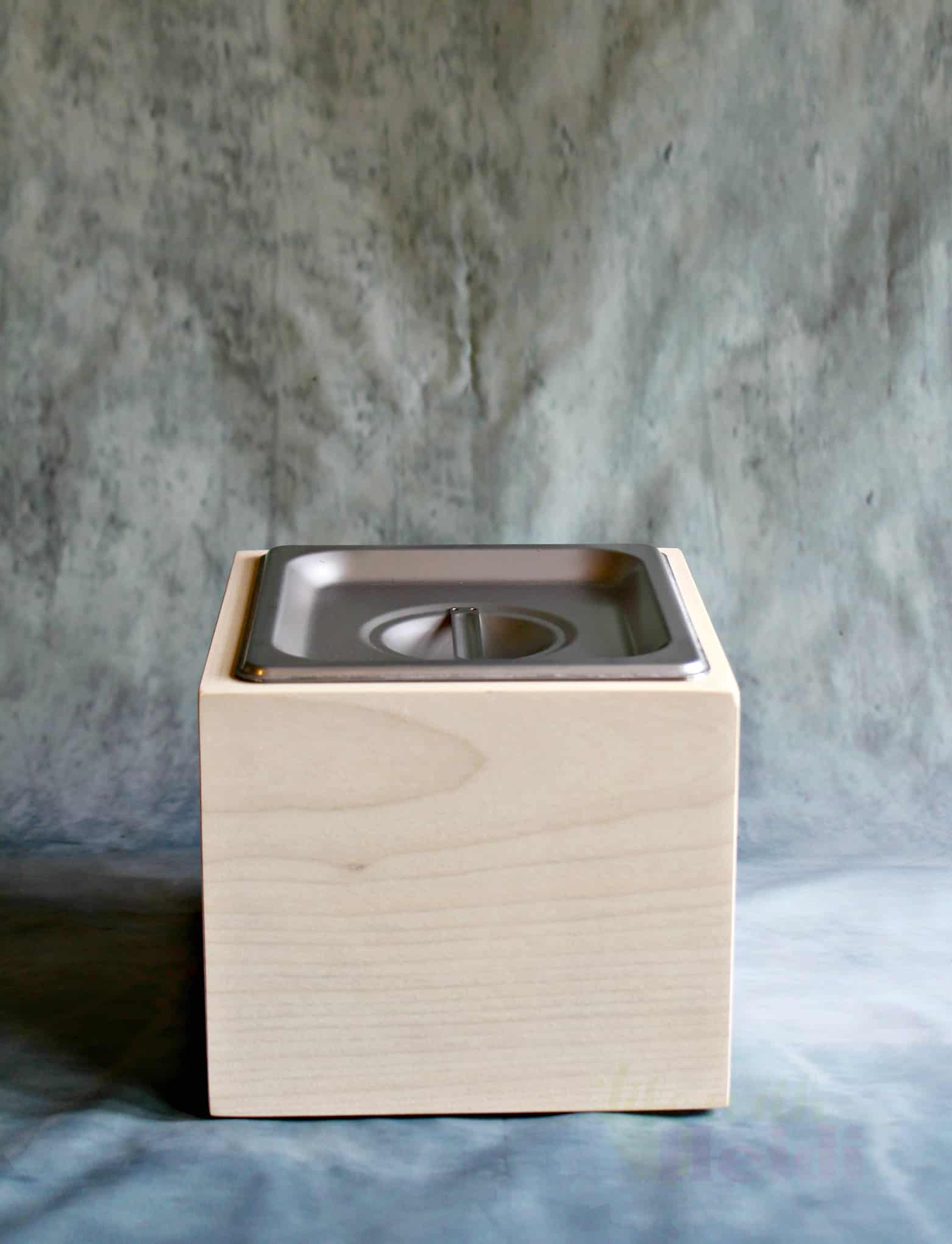 Compost bins from alasaw are the perfect gift