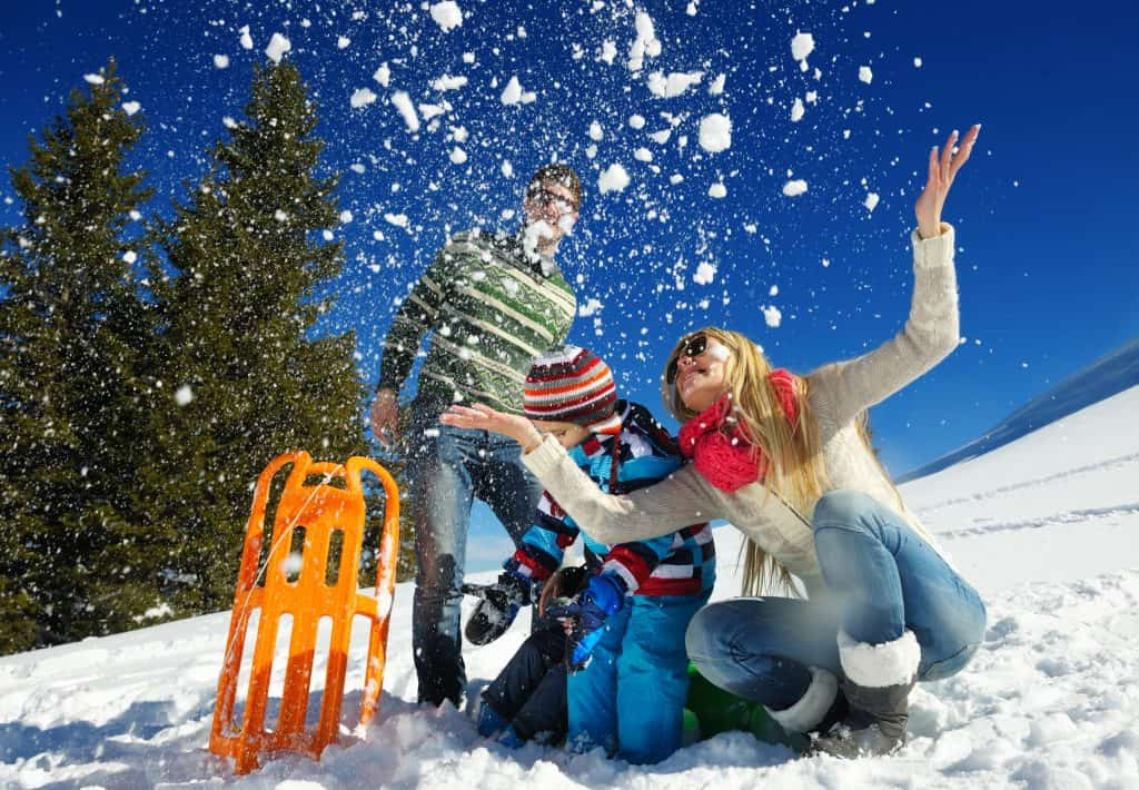 The Performance Advantages of Synthetic Fabrics in Winter Athletic Wear