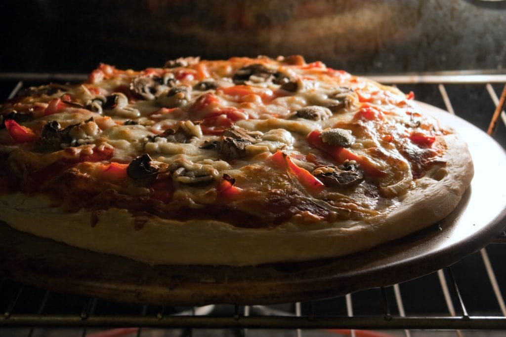 A Beginner's Guide to Outdoor Pizza Ovens