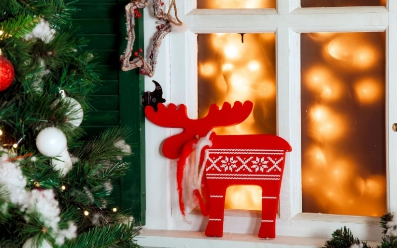 It's Christmas: How to Set Up an Outdoor Christmas Scene