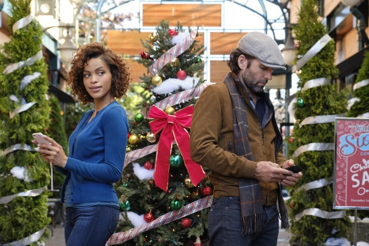 """Hallmark Movies & Mysteries Movie Premiere of """"Delivery by Christmas"""" on Sunday, October 25th at 9pm/8c! #MiraclesofChristmas"""