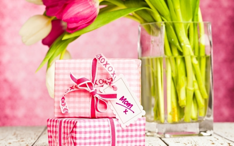 5 Gift Ideas For Your Mom (1)
